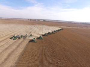 (Video) Community Helps Family Harvest Following Fatal Accident