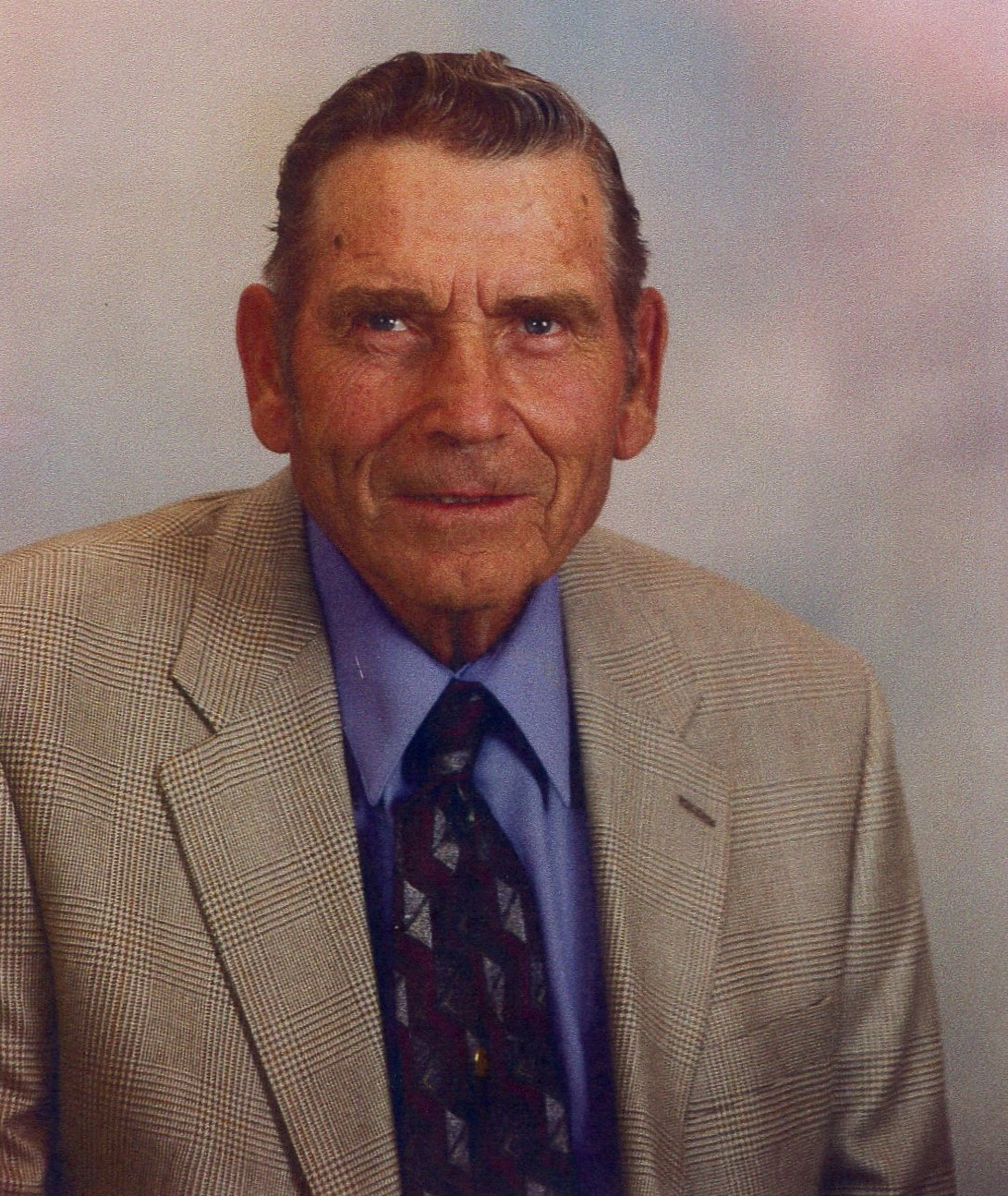 Vernon Lee Carlson, 89, Scottsbluff