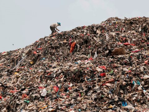 China Imports More U.S. Trash than Ag Products