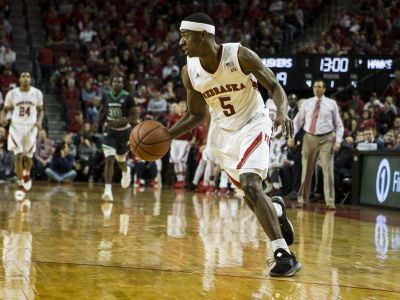 Huskers Hold Off Long Beach State