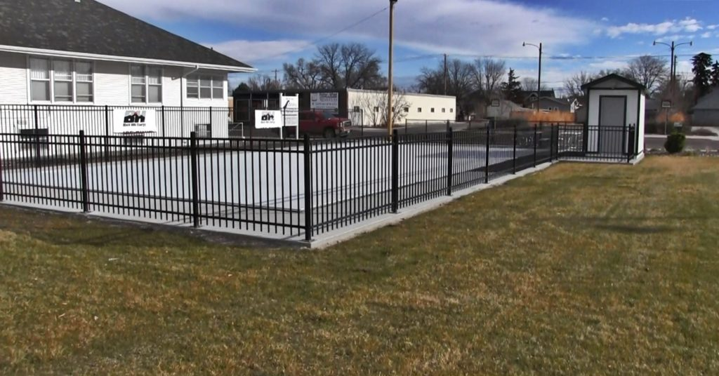 Bluffs ice skating rink to have grand opening next Saturday