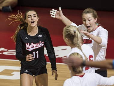 Huskers sweep Terps