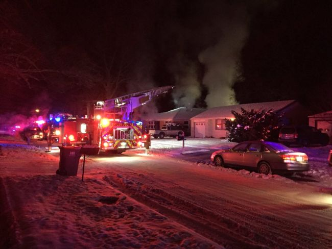 (VIDEO) 9 taken to hospital after eastern Nebraska house fire