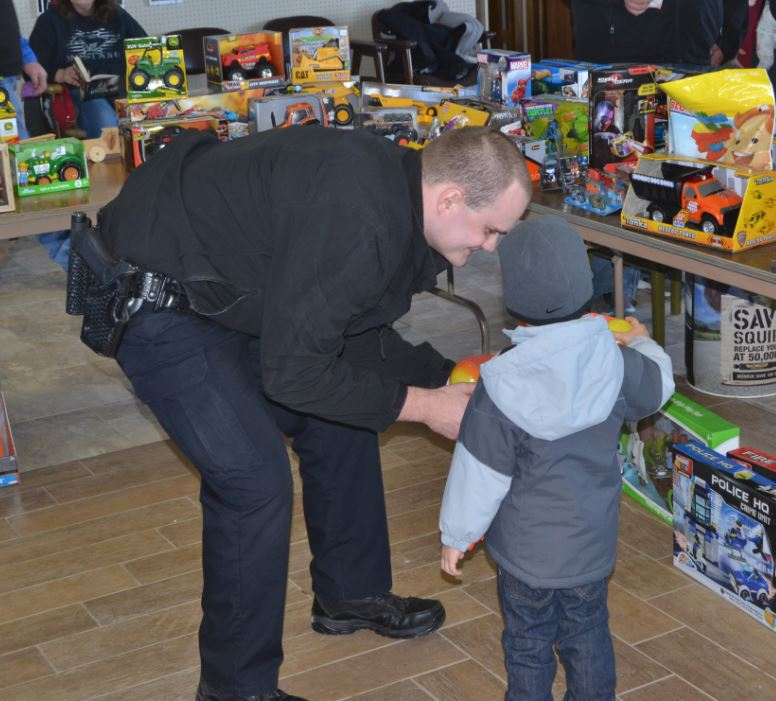 Chadron Police Department's 13th Annual Shop with a Cop another success