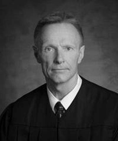 Kelch resigns from Nebraska Supreme Court