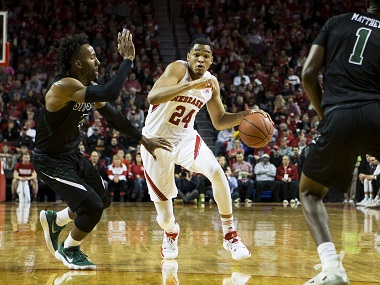 Palmer hits 3-pointer at buzzer to lift Husker men past Illini