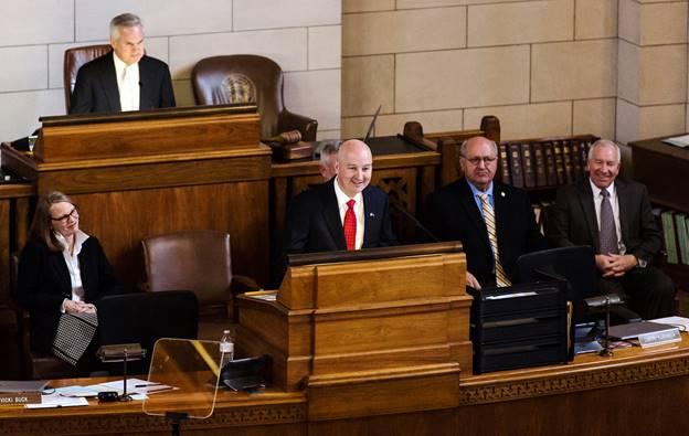Gov. Pete Ricketts touts tax relief, economic growth