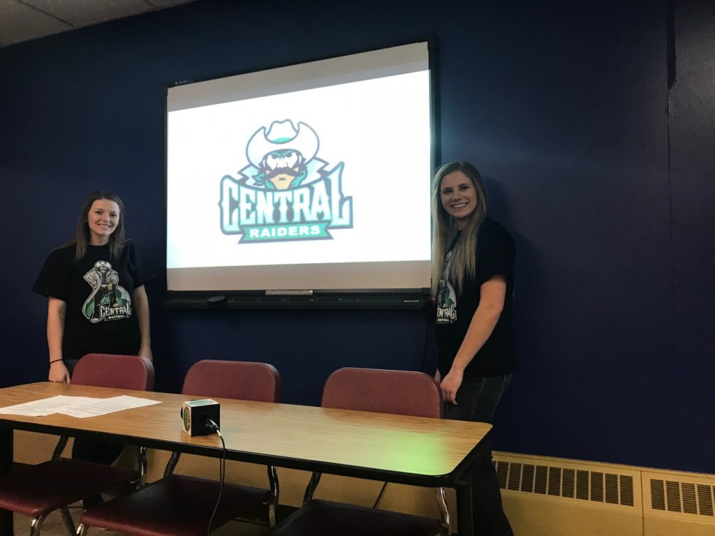 (AUDIO) Gering softball duo will play together in college