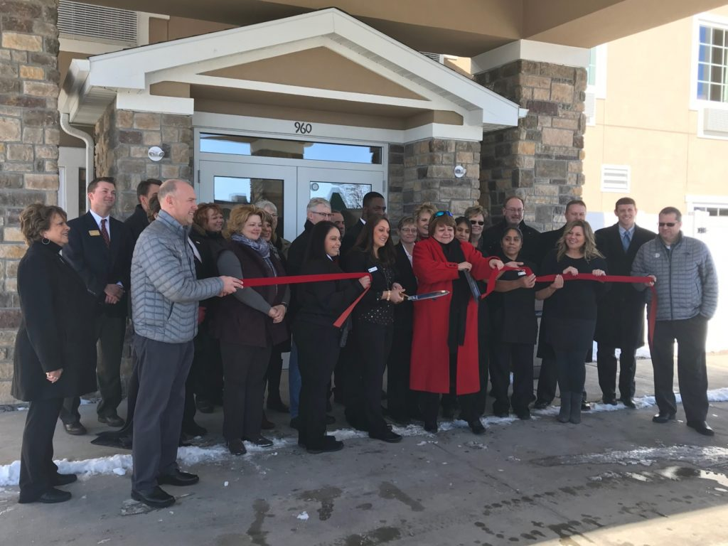 Community celebrates ribbon cutting for new Cobblestone Hotel