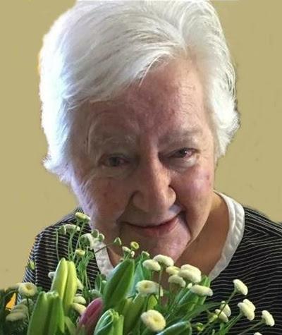 Dorothy Larson, 87, Potter