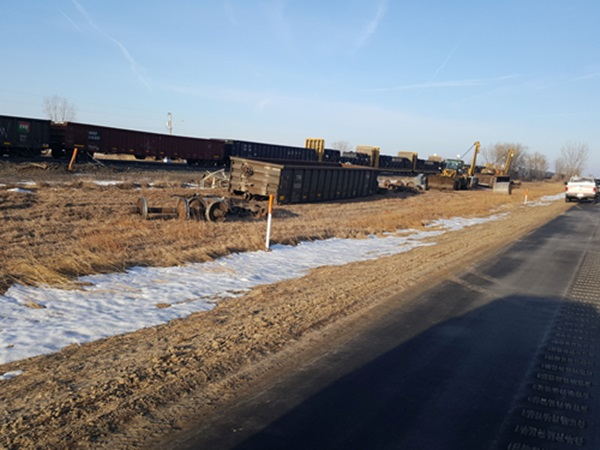 Two Union Pacific cars derail, no injuries