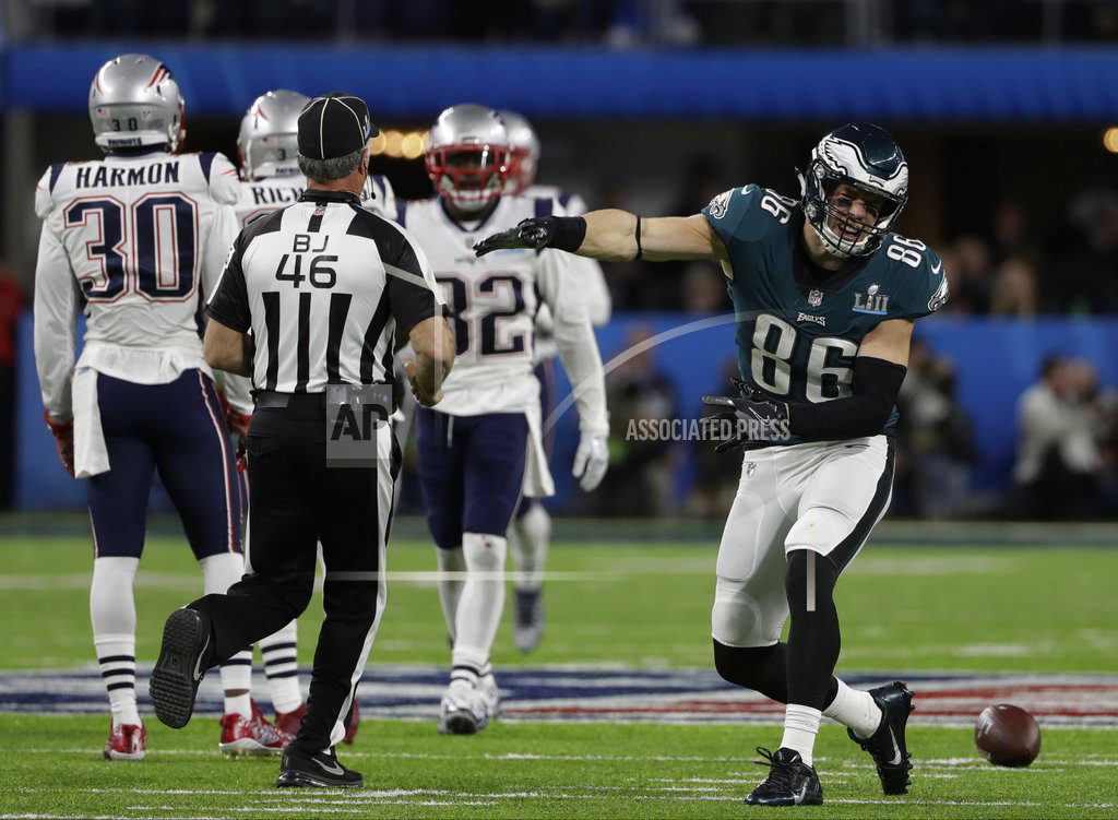 Foles' Late TD Pass Leads Eagles To Super Bowl Win