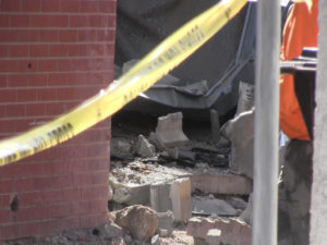 Contractor: Forensic engineer investigating roof collapse