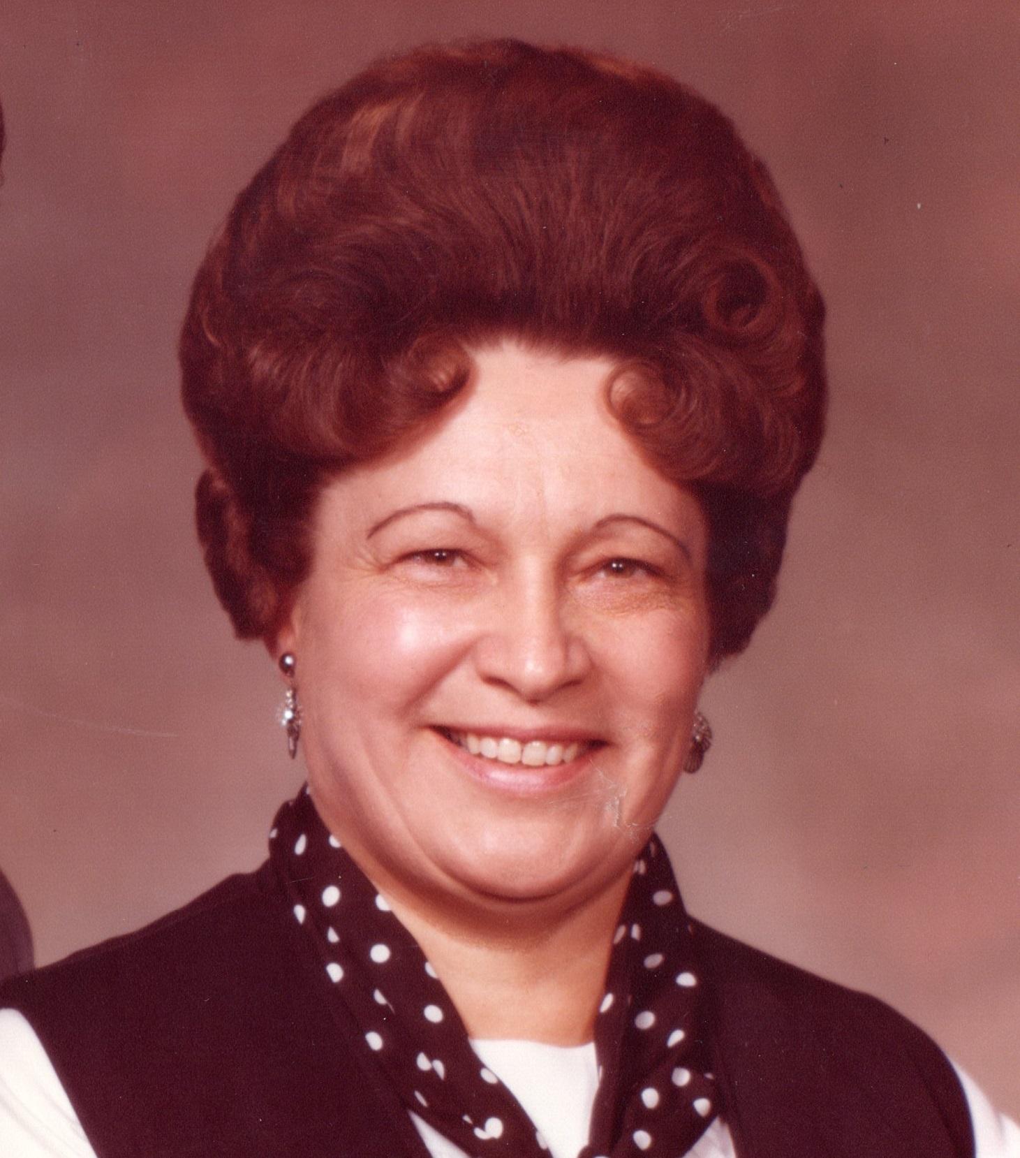 Helen M. Schlager, 87, Gering