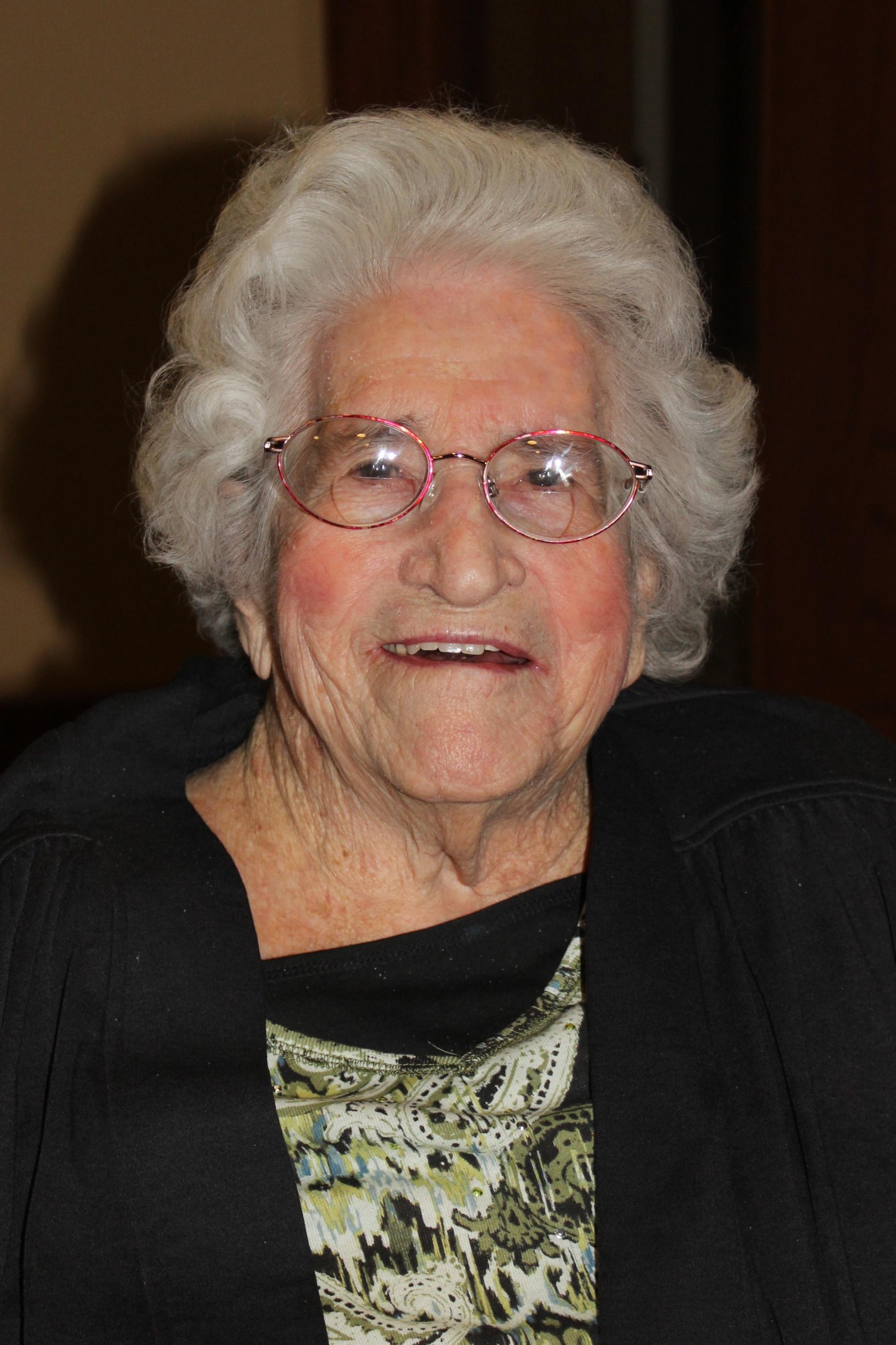 Dorothy Elizabeth (Bybee) Knoll, 102