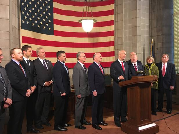 (Video) Gov. Ricketts Unifies Support for Tax Relief Bill with Farm, Business Groups
