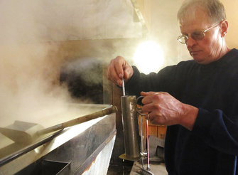 Maple syrup season gets early start in parts of New England