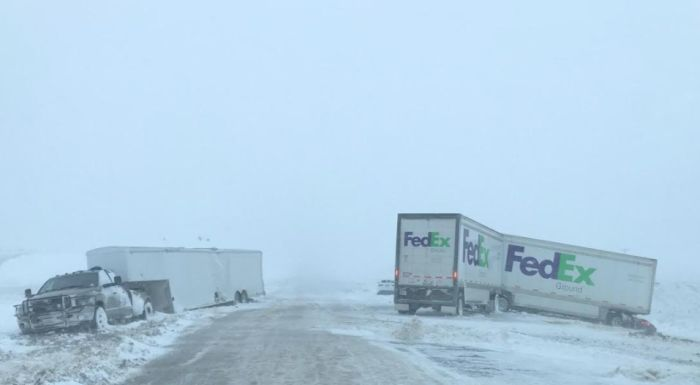 Nebraska blizzard blamed for 1 death, stranded drivers