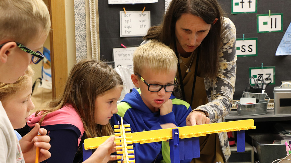Grant establishes NebraskaSTEM Program for rural elementary teachers