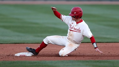 Huskers Drop 4-2 Decision to Rutgers