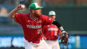 Huskers stunned by UNO
