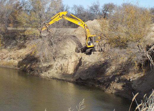 Kansas State University researchers study ways to stabilize river banks
