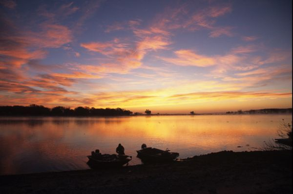 Vote to put Lake Ogallala on list of top U.S. fishing destinations