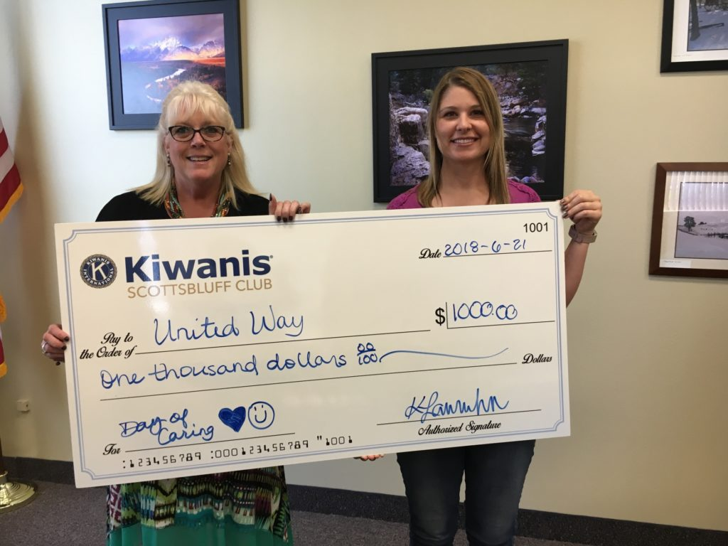 Scottsbluff Kiwanis donates to United Way Day of Caring