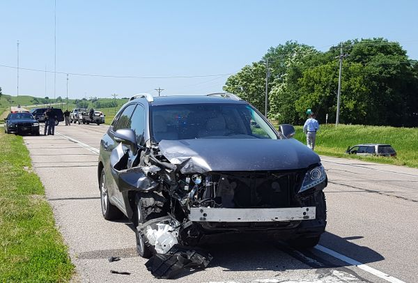 Two-vehicle rear-end collision causes minor injuries