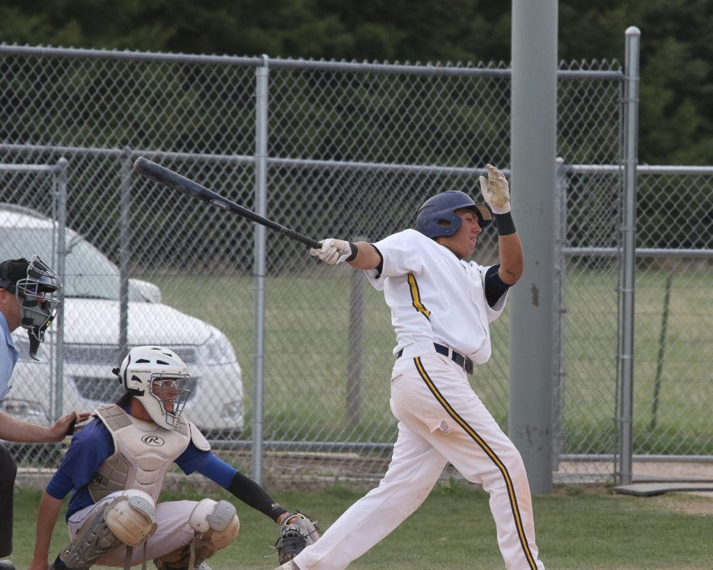 WNCC's Esai Hernandez inks with Mount Marty