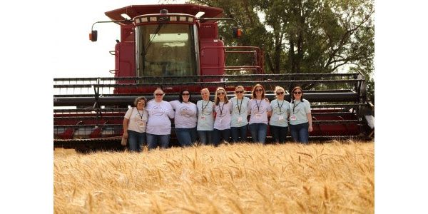 Food bloggers visit Kansas during wheat harvest