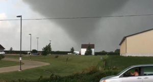 (Video) Iowa tornadoes hit unexpectedly, causing damage and injuries