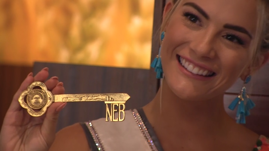 Miss USA Sarah Rose Summers presented key to the city during Scottsbluff visit
