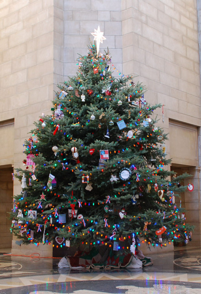 Nebraska  Artists Invited to Participate in Creating Ornaments for the Nebraska State Capitol's Holiday Tree
