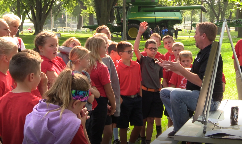 (Video) Fifth grade students learn about corn, agriculture careers