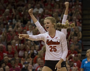 Schwarzenbach Named B1G Defensive Player of Week