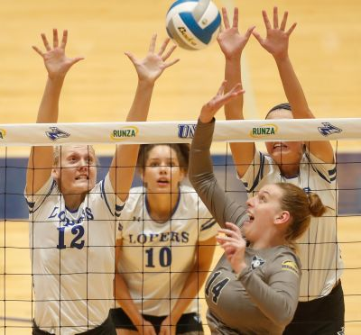 Lopers Win Own Tournament