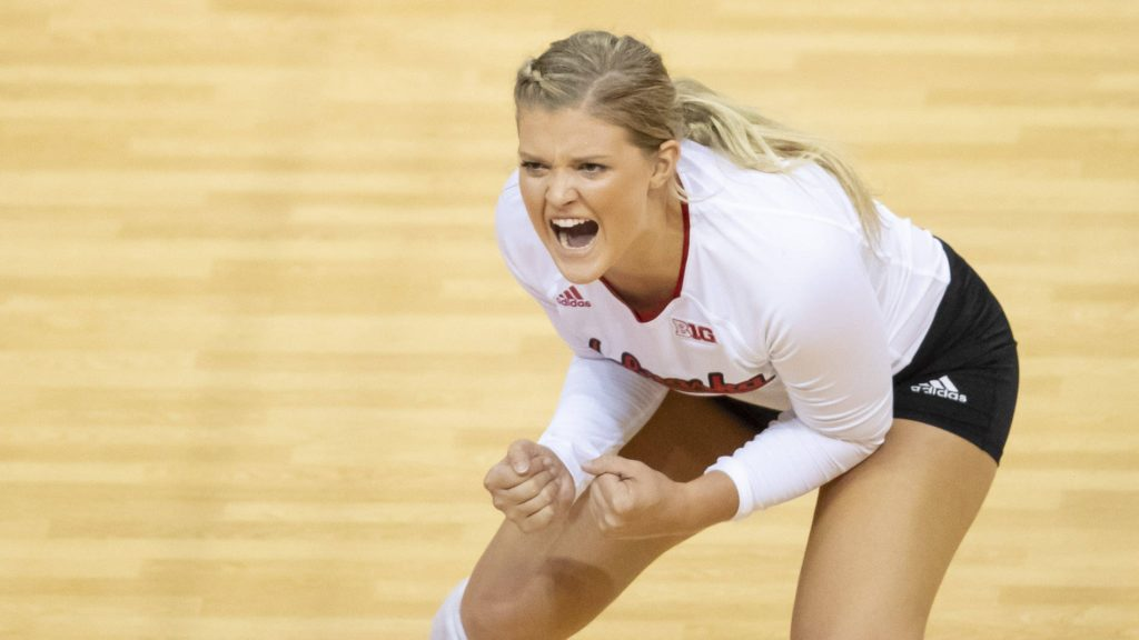 Huskers Fight Past No. 7 Illinois, 3-1