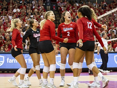 Nebraska Volleyball goes 2-0 on first day of Ameritas Players Challenge
