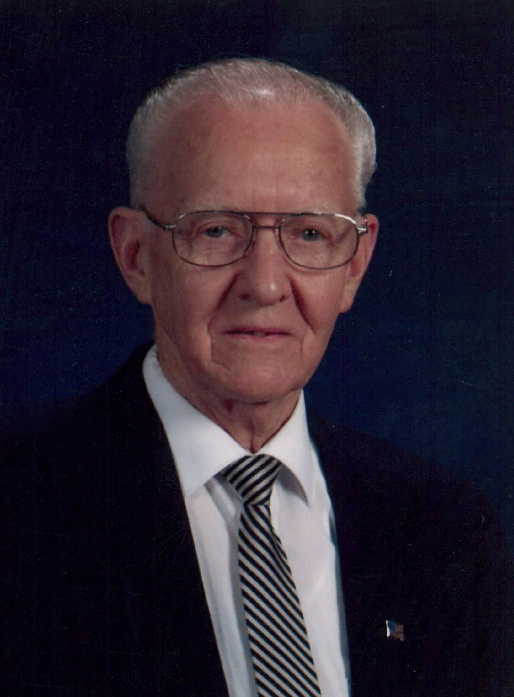 "Harold William ""Sandy"" Sandell, 94 years of age, of Holdrege"