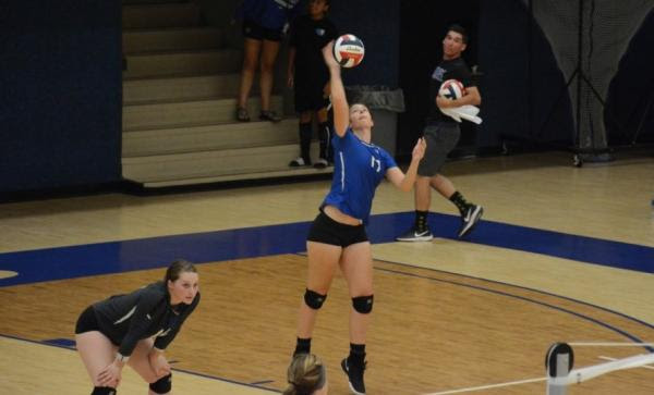 Panthers pick up first KCAC win in five-set thriller over Avila