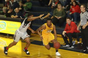 Kuxhausen drops 26 in Cougars win over Western Wyoming