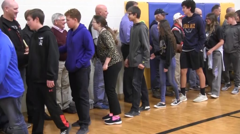 Gering Junior High honors local veterans