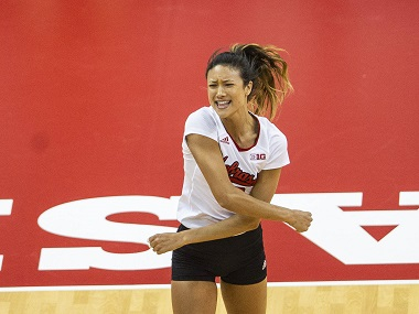 Huskers roll in sweep of Hawkeyes