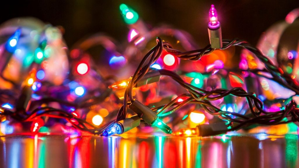Utility encourages homeowners to use LED lights for holidays