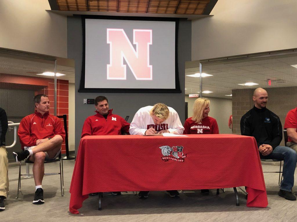 (WATCH) Garrett Nelson signs with Nebraska