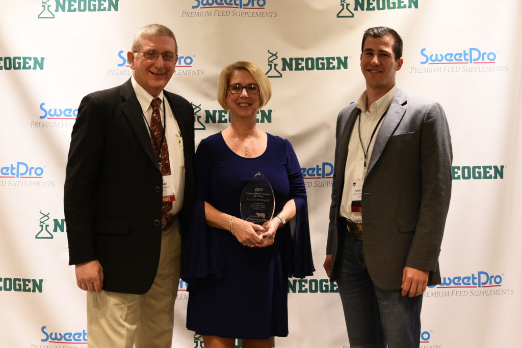 Al and Mary Knapp Inducted into Gelbvieh Hall of Fame