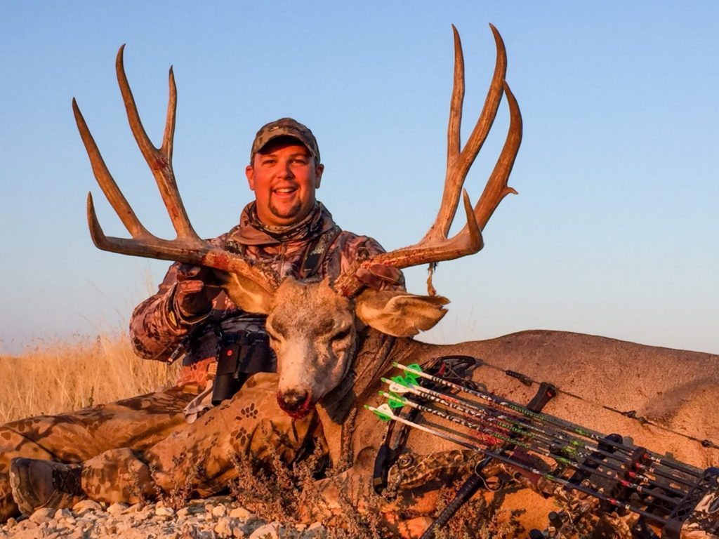 Michigan hunter bags trophy mule deer