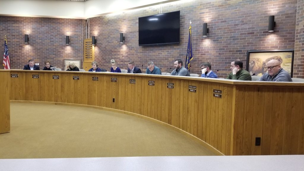 Gering Council reverses complete ban on shipping container use