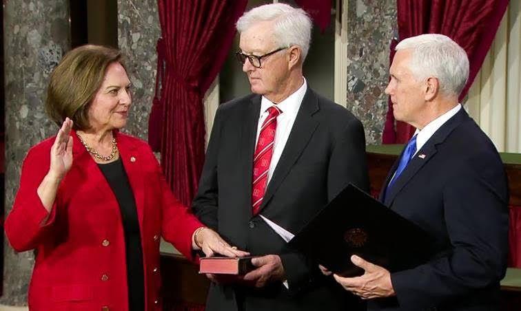 Fischer Sworn in for Second Term in U.S. Senate